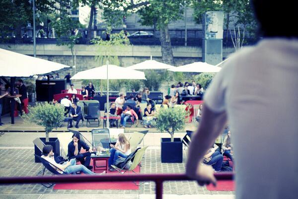 [SAVE THE DATE] La Plage du Batofar ouvrira le jeudi 1er mai ! Cocktails, transats et parasols.... http://t.co/pqUtCupzfy