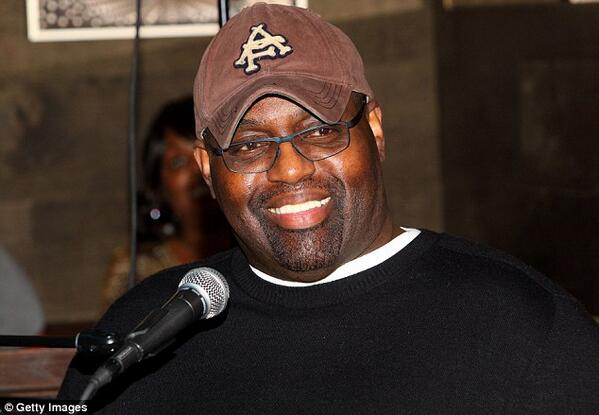 RIP #FrankieKnuckles The 'Godfather of Chicago House music' http://t.co/IJS6mjHcWh #housemusic http://t.co/yPnxSjHmMu
