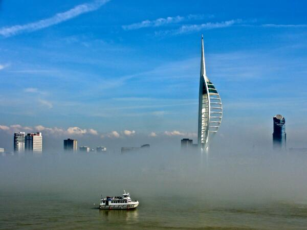 This great shot of the fog over Portsmouth Harbour was captured by Maureen Coles. http://t.co/iuOZ6jz87Q