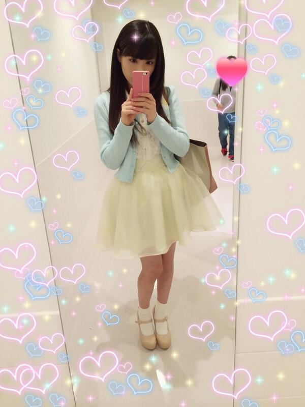 とんぬらさんからお誕生日リクエストで春の装いということで、トイレで撮りましたwお気に入りのふんわりイエロースカートです♡(っ´ω`c)♡ http://t.co/HSOt96yats