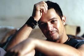 """Alejandro Sanz: """"La represión en Venezuela es brutal. Debería darles vergüenza"""" http://t.co/OwncBXMubv #acn http://t.co/nVo4Tws5QI"""