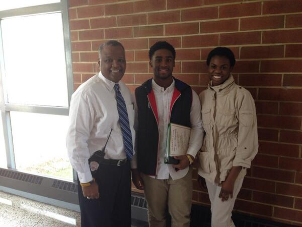 Senior class presidents @pgcps Duval High School. Young man told me he's going to @HowardU and I am so proud! http://t.co/0Om3gqfbQU
