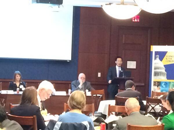 Edward Cheng, law prof Vanderbilt & stats PhD candidate on science in the courtroom @AmstatNews #acsscicon http://t.co/CT61lMMibG