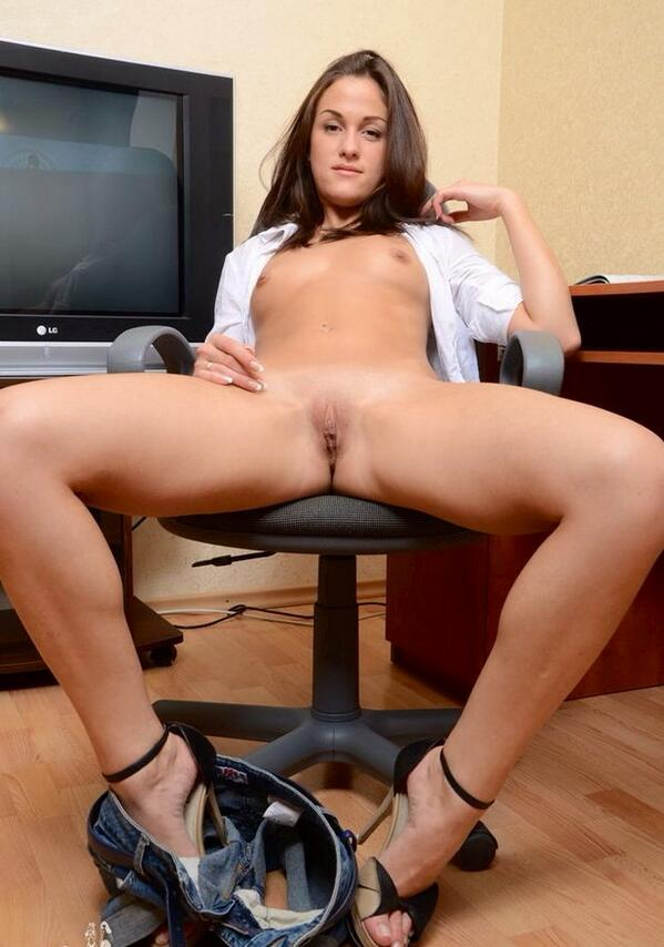 Free office pussy porn pics