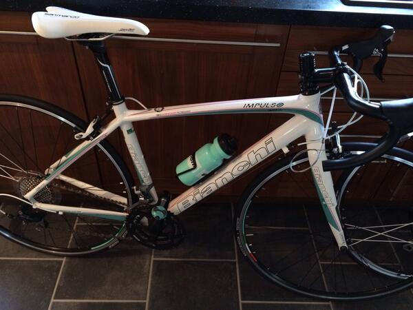Zoe's bike. Celeste SPEEDPLAY pedals and a TEC saddle. White bar tape. http://t.co/Kcv17xnWQ7
