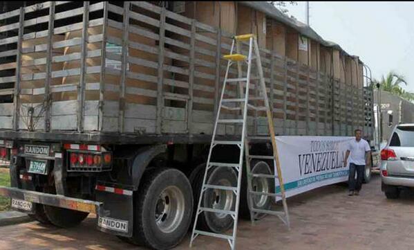 Colombia envía 52 toneladas de papel periódico para medios impresos de Venezuela