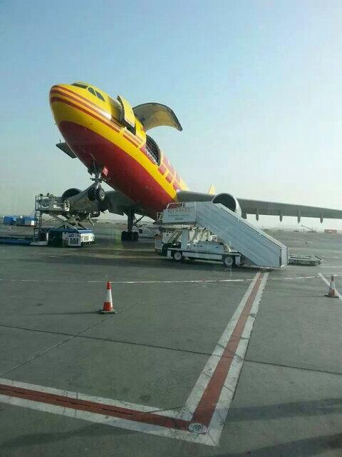 DHL Airbus A300F tips on tail during offloading at Abu Dhabi http://t.co/qu4urgVrpu  https://t.co/aQEoB7bEJ0