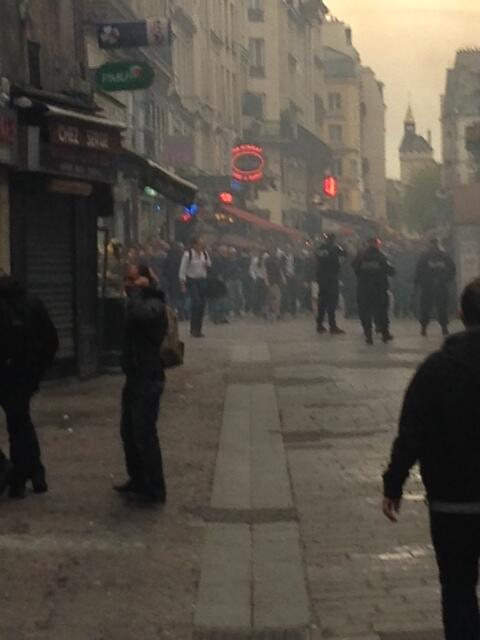 Chelsea fans accused of EDL chants, Sieg Heil salutes & smashing up shops in Paris [Pictures]