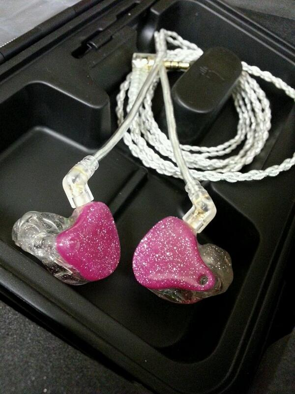 Kylie Frey's new in ears. Loving making people ear happy! #letstalkearz http://t.co/ofZyidzlwC