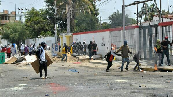 """@LuisPerozoPadua: #Palavecino #2A Confirman 5 detenidos en confrontación en Valle Hondo. 14:55. @elimpulsocom http://t.co/cN4P34iO4S"""