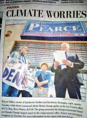.@CherylHaase, @OFA_NM LC Sun News covers #ClimateFool day w @RepStevePearce #ActOnClimate!  http://t.co/ZbUWPrNuLw http://t.co/HYEOU5K78K