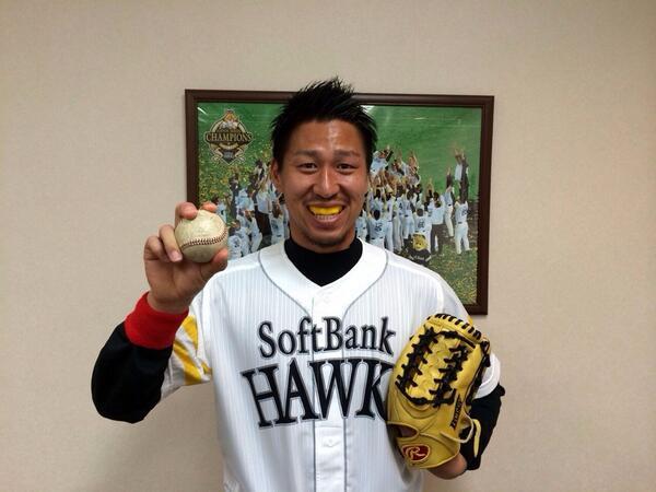 日本代表候補合宿メンバーに選出された豊田選手ですが、本日18時より行われる福岡ソフトバンクホークスの試合で始球式を行います!「相手チームにプレッシャーを与えられるように頑張りたい(笑)」と気合十分!(o^^o) #sagantosu