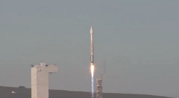 Atlas V 401(DMSP-5D3 F19) - 03.04.2014 BkTh5niCAAIKj-e