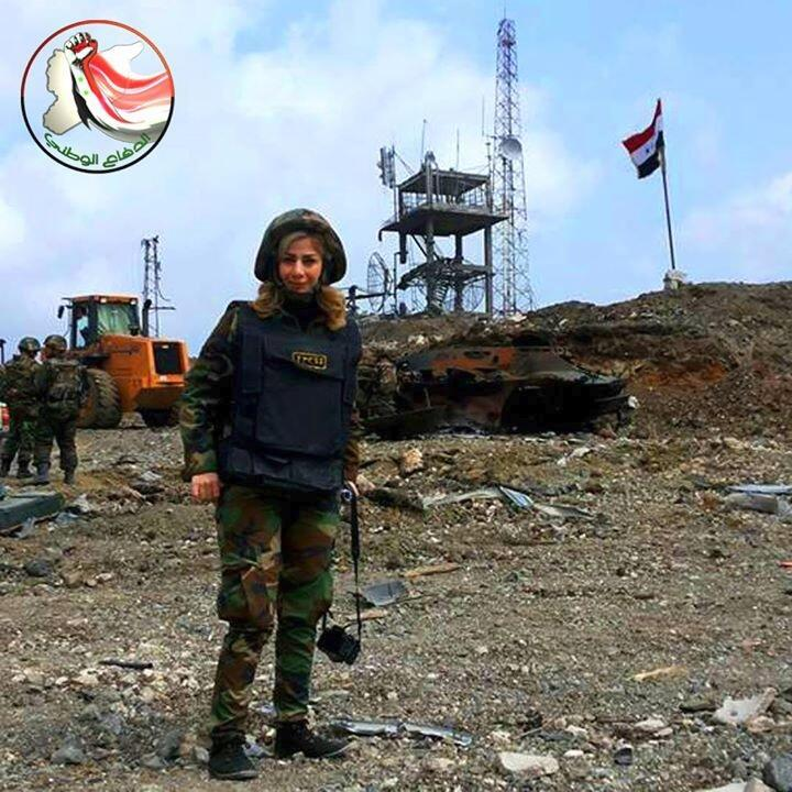 Guerre Civile en Syrie - Page 2 BkUa_7SCIAAOJrP