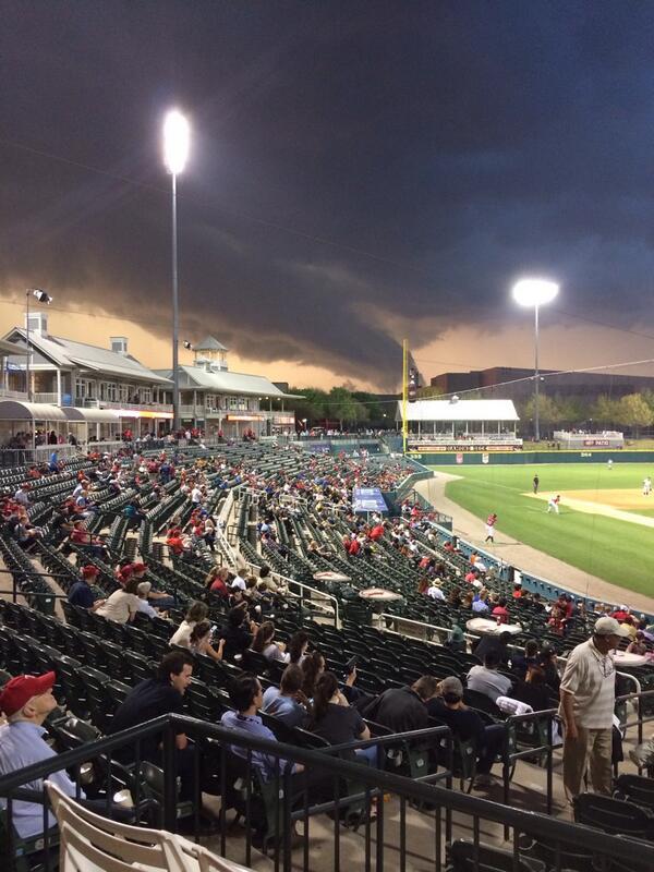 OMG. @reedtimmerTVN @JimCantore  ----> RT @BaseballDo: This is the tornado moving into McKinney. @DFWscanner http://t.co/D28ev4l3Nw