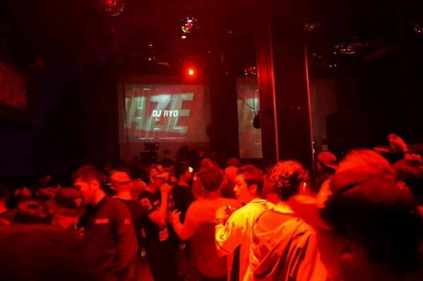 "T.G.I.F!! 今夜も""HAZE""at CLUB HARLEMで盛り上がりましょう♬ @djwatarai @DJRYO @DJAlamaki @djtaku の4人が良い音で楽しませます!!お待ちしてま〜す!! http://t.co/o6mqPEKn1y"