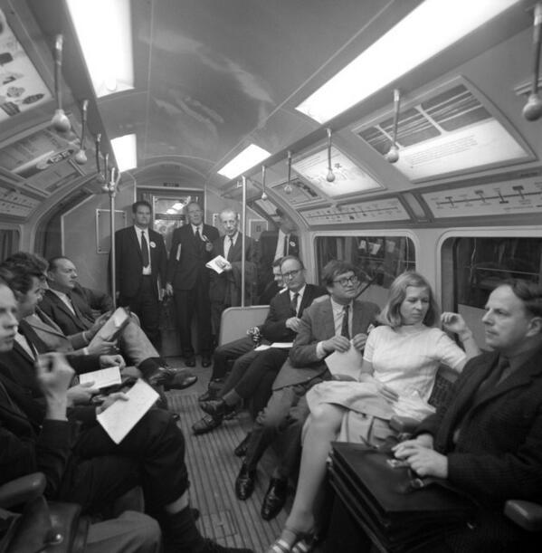 BkXxV85CcAAx dp - The Victoria Line's really big 50th birthday! #2