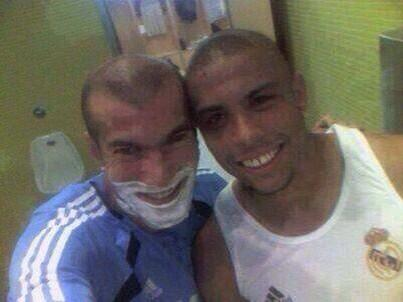 Legendary Ronaldo & Zidane Selfie, from when before Selfies were Selfies