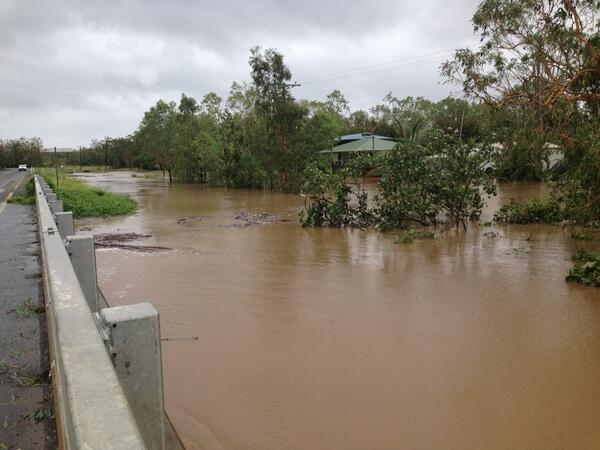 Endeavour River at cooktown looking very swollen and fast-flowing post TCIta @abcnews @ABCNews24 @ABCFarNorth http://t.co/WPFJRkT3p7