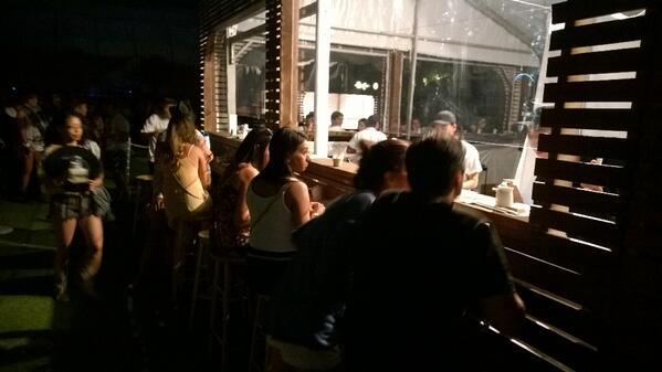 The fact there's a sushi bar @coachella is kinda blowing my mind right now #tweats #coachella2014 http://t.co/qJXRIDPvMu
