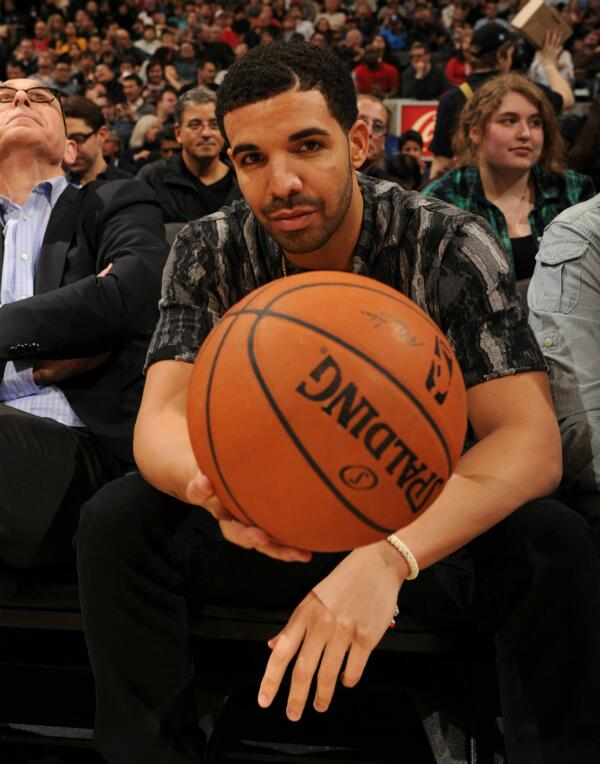 #RTZ Photo: Great view of an even better game for @Drake tonight. #OVO #Raptors #NBA #Pacers http://t.co/JqaMOXd4fP