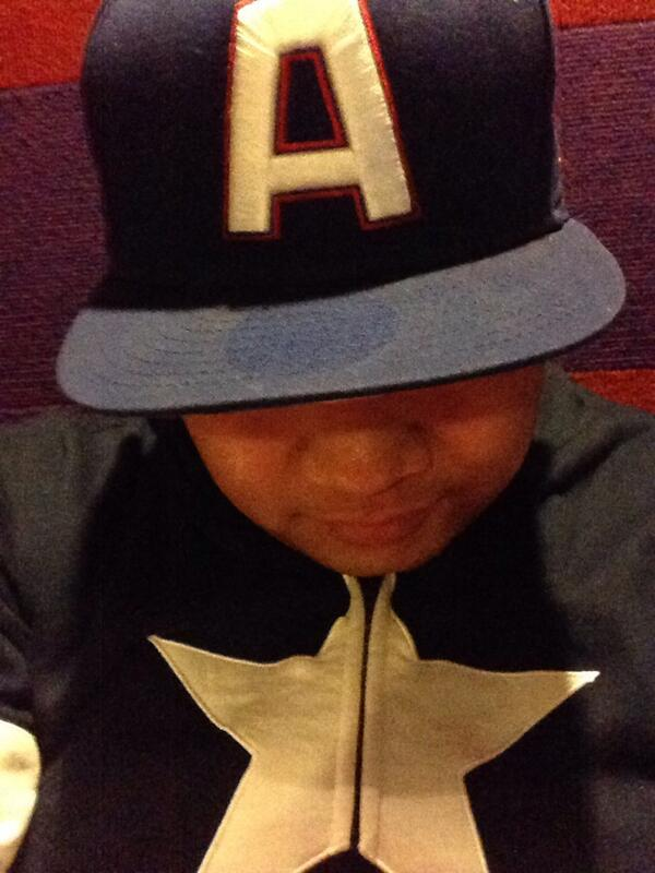 "#RainDelay @Athletics? I'll take it. Play the game after I support the other ""A"" on my cap! #CaptainAmerica #Cinema http://t.co/DFvoA3OWaJ"