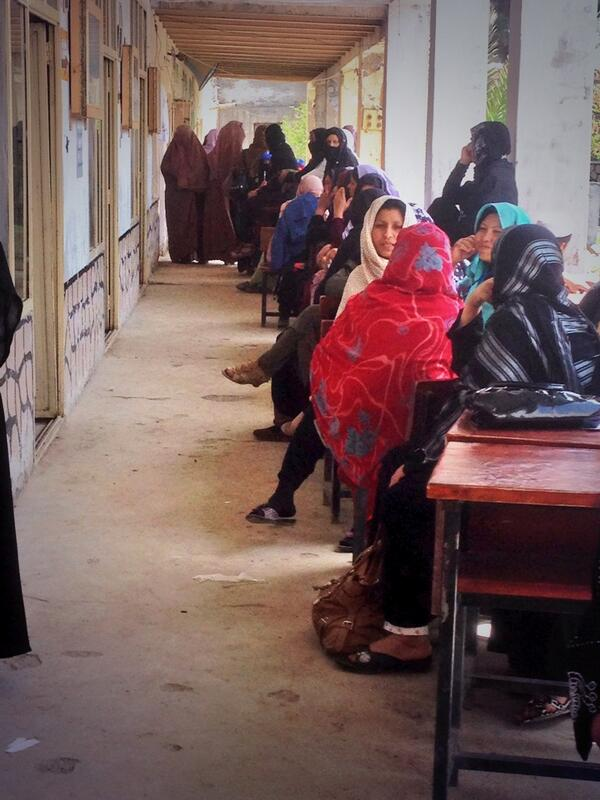 Women waiting to vote at another polling station in #Kandahar. Mood is optimistic. http://t.co/oTsta9P0Zy