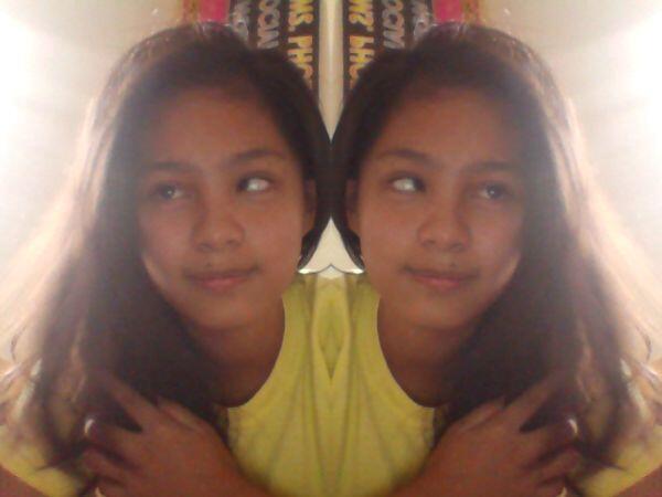 Duling daw ba ang isang mata?? hahaha XD #webcamtoy http://t.co/UVd20w0voF