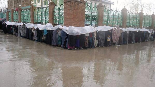 Another great photo from Afghan elections. RT @farhangistan: Women lining up to change the history  #AfghanElections http://t.co/bM7UFbPPe8