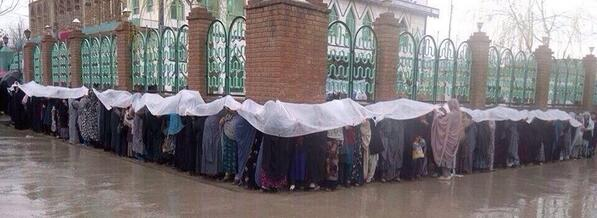 Yes, we can! Heavy rain couldn't stop these women from voting. #AfgElection2014 http://t.co/hDPtAbUFzT