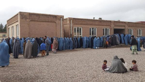 Women wait in long line outside voting center in #Herat #AfghanElections #Afghanistan #AFG2014 http://t.co/jEkoBd47u3