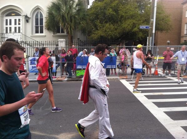 Elvis ran sub 50 minutes at #crbr http://t.co/Y31VMcKXbI