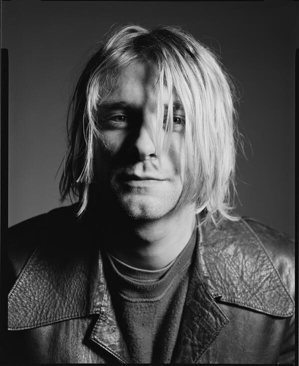 Hard to believe it's been 20 yrs, #RIPKurtCobain photo by @michaellavine http://t.co/s8CE49gUMm