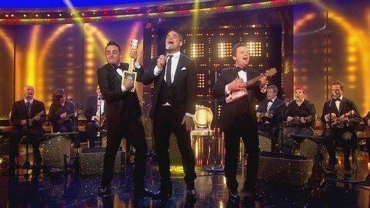 Great fun last night with Ant and Dec and Robbie Williams http://t.co/d7TGsPlHLI