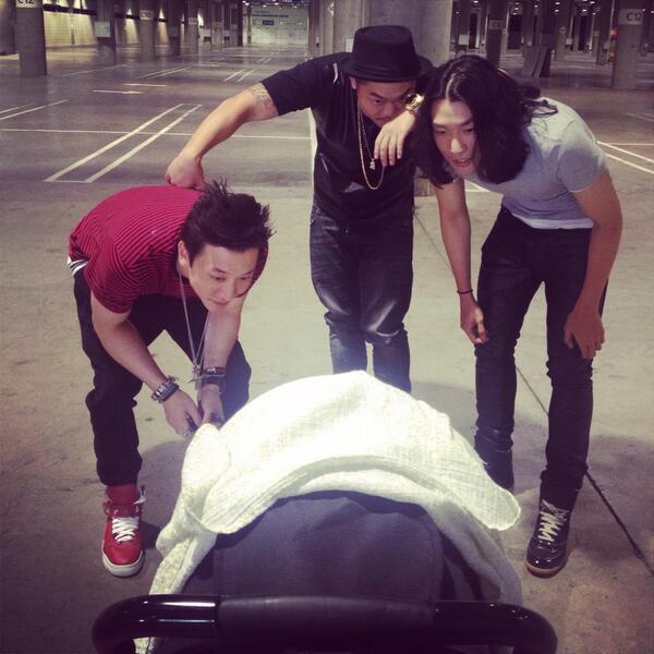 Three Men And A Baby~ #aziatix #melody http://t.co/vO1oVI4xpC