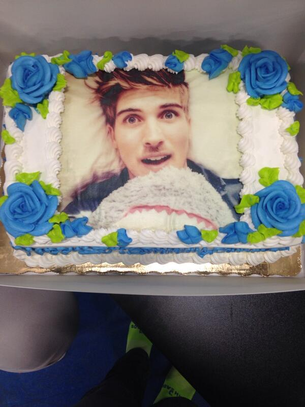 Strange Sammie On Twitter My Birthday Cake With Your Face On It Personalised Birthday Cards Sponlily Jamesorg
