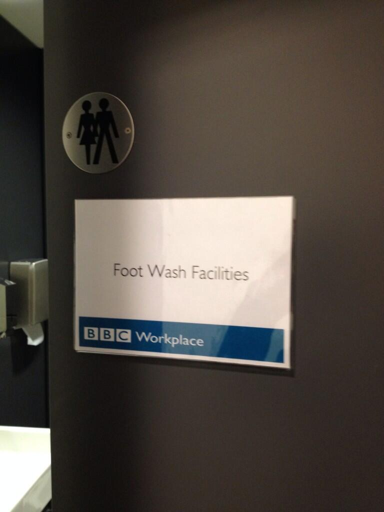 About to go on @BBCOnTheMoney on @bbc5live. Might just use the facilities first http://t.co/1JdRHZ6bHO