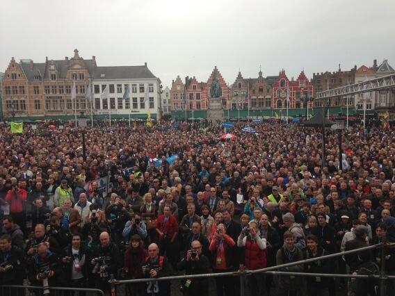First Flanders was an incredible experience. One tough race. Here's a pic of what we saw at starting stage!!! http://t.co/j7tcA0NmtU