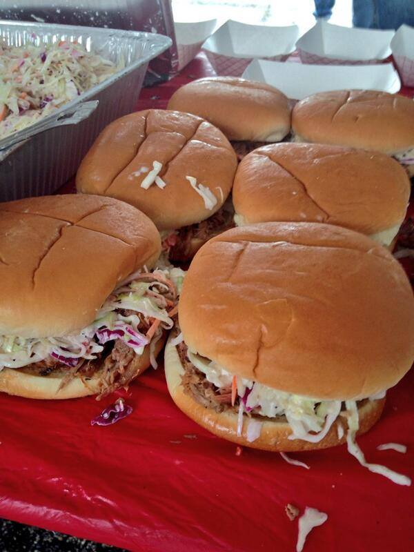 Pleasant surprise of the day were these NC style pulled pork sandwiches from the Wooden Spoke @HouBBQ http://t.co/K14uK4zX06