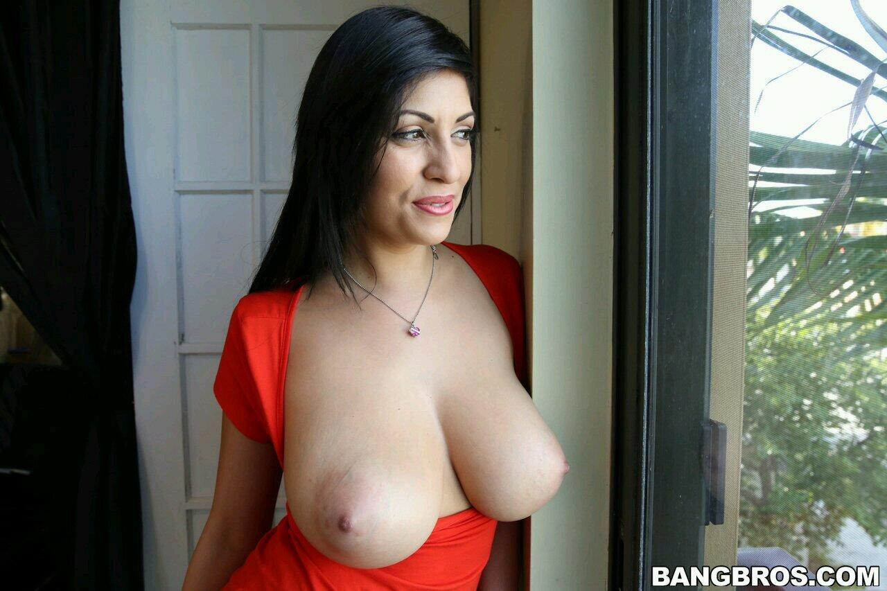 Big tits filipino milf preps for main shoot - 2 part 6