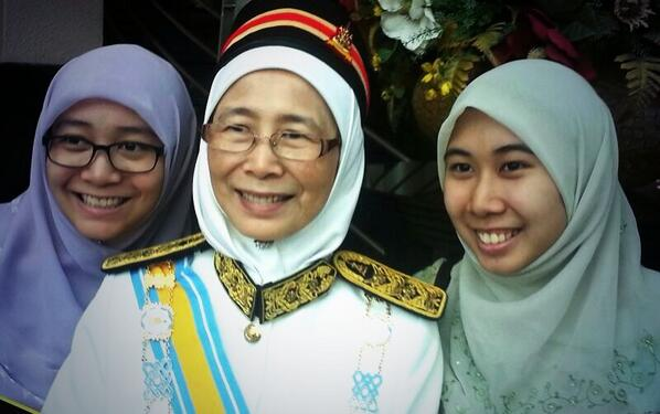 The new Kajang ADUN, congratulation! @drwanazizah @n_izzah http://t.co/6KsMNH8crV