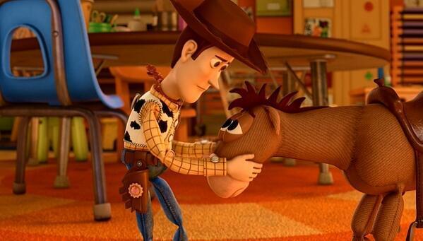 ブルズアイ駄目だ、お前はここに居ろ。 なぁ、お前一人だけ屋根裏部屋に行かせたくないんだ・・。 ここ(幼稚園)に居ろ・・。pic.twitter.com/1YG2FZ1iDI