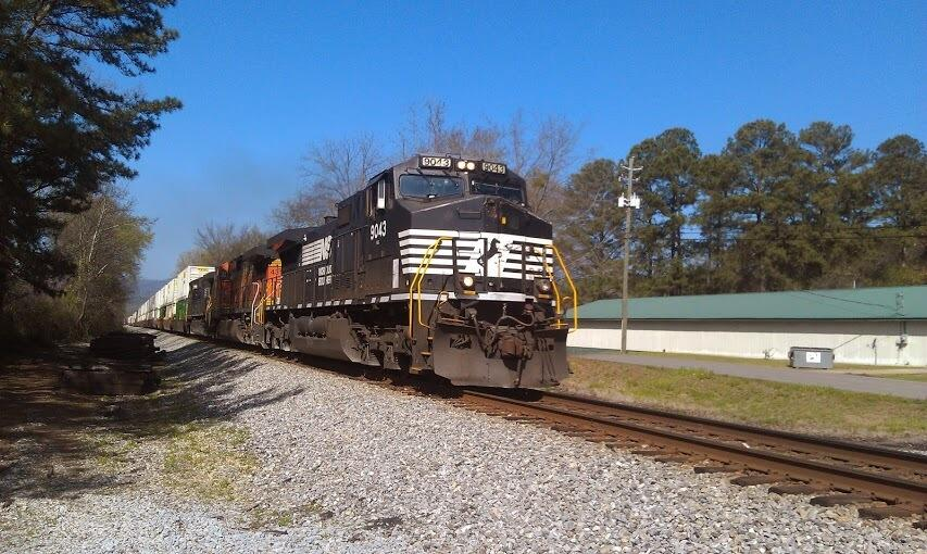 Twitter / nvyoung: Norfolk Southern train in Oxford ...