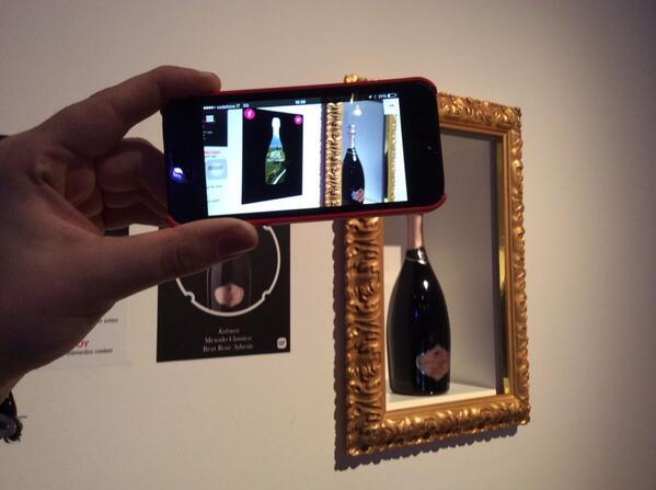 Realtà aumentata all'#aperitivoSM! Provatela nelle salette! http://t.co/1KsGeTHZsj