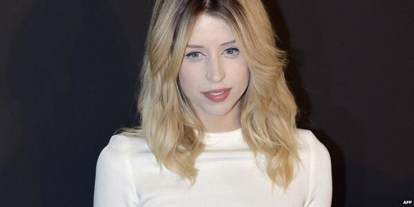 Peaches Geldof, the daughter of Bob Geldof and Paula Yates, has died at the age of 25 http://t.co/YaoGHZOm8P http://t.co/7AUEXM3LhQ