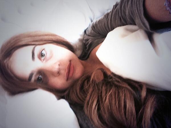 Lady Gaga Poses Without Makeup For Latest Selfie