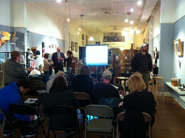 Room is filling for Q&A @ArtFusion19464 on Fecera's project in Pottstown, starts soon. @MercuryX http://t.co/YFAxsxHdaG