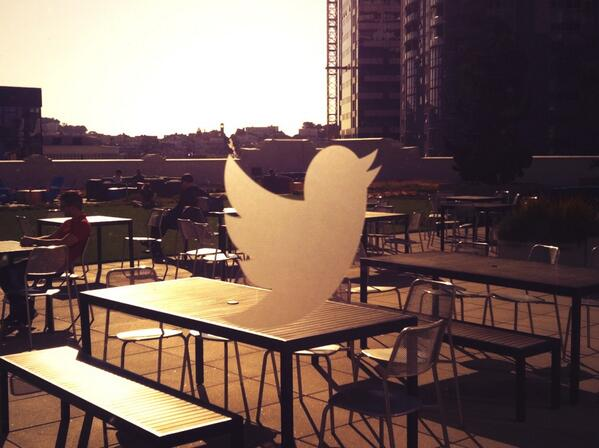 #SFtrip - tweeting it up at @twitter hq! #rooftop http://t.co/8YbUPdhCGr