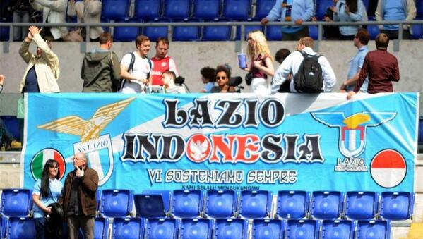 Laz, good news in the morning from @officialsslazio. This is Lazio Indonesia Banner In Olimpico Stadio, Rome. http://t.co/hff2euO7YM