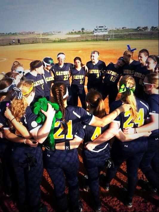 """@taylormassart: I play for them! Happy #D3Week #ACWSB ⚾️🐊💛💙 http://t.co/W6oJWFW0hC"""